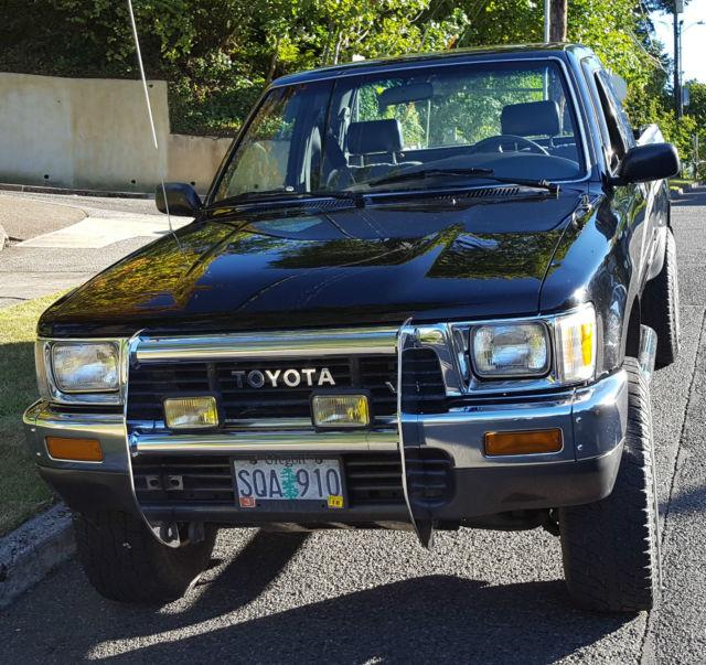 1990 toyota pickup dlx extended cab pickup 2 door 3 0l. Black Bedroom Furniture Sets. Home Design Ideas