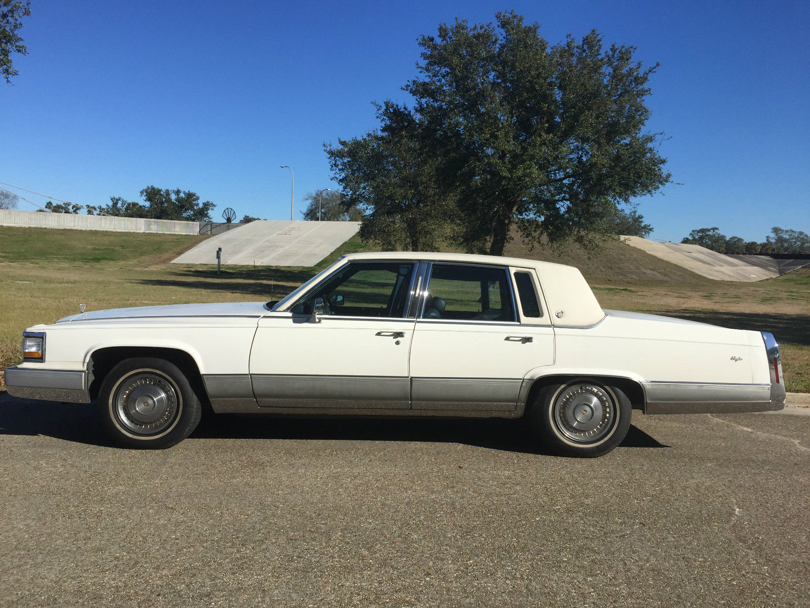 1991-cadillac-brougham-cherry-condition-