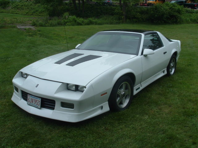 1992 chevrolet camaro rs t tops z 28 hood iroc style. Black Bedroom Furniture Sets. Home Design Ideas
