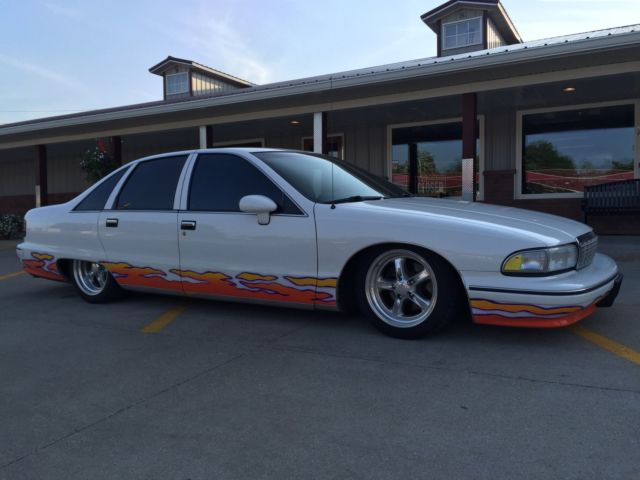 1992 Chevrolet Caprice Classic Air Ride Bagged Hot Rod