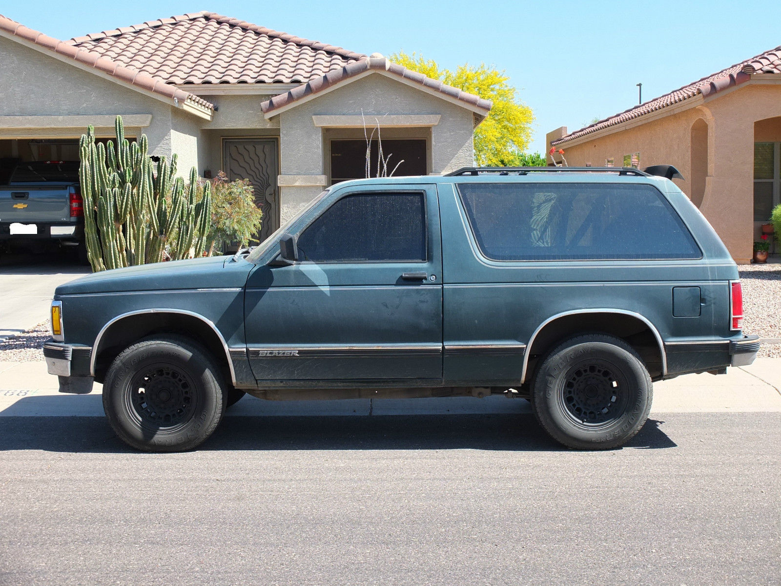 1992 CHEVY BLAZER S-10 / AUTOMATIC / TWO DOOR / WORKING AC - Classic