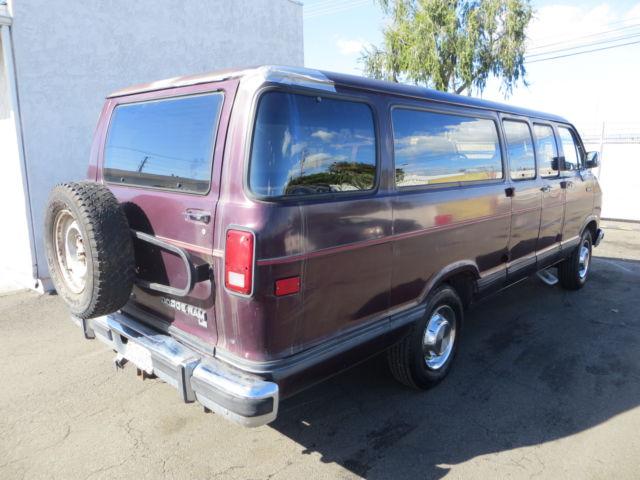 1992 Dodge B350 Base Extended Passenger Van 3