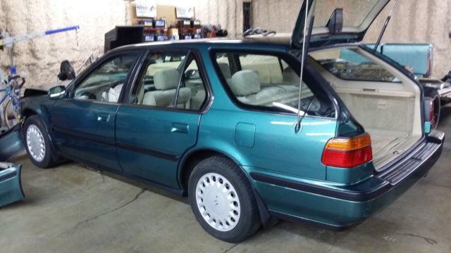 1992 honda accord lx station wagon 38769 original miles slightly damaged classic honda accord. Black Bedroom Furniture Sets. Home Design Ideas