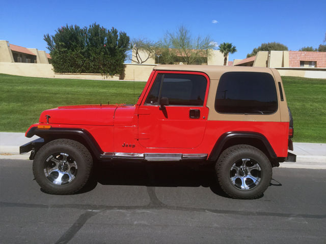 1992 jeep wrangler 4x4 super clean fire engine red 4 cyl 5speed 4x4 classic jeep. Black Bedroom Furniture Sets. Home Design Ideas