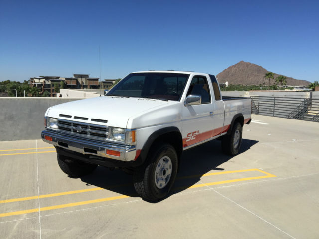 1992 nissan hardbody king cab 4x4 99 000 miles 1 owner. Black Bedroom Furniture Sets. Home Design Ideas