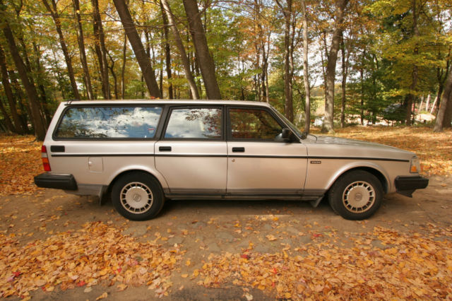 1992 volvo station wagon 240 dl used runs good condition added extras more classic volvo 240. Black Bedroom Furniture Sets. Home Design Ideas