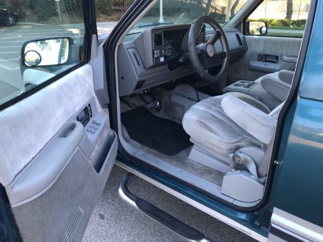 1993 Chevrolet Chevy Suburban 2500 Silverado 4x4 V8 454 No Rust California Classic Chevrolet