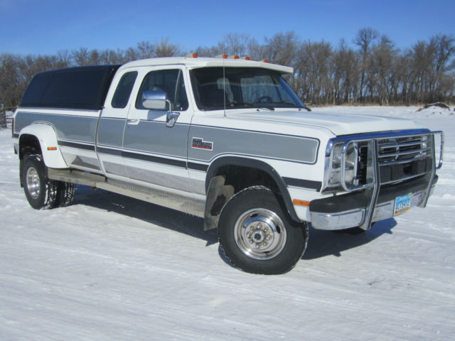 1993 dodge ram cummins le 3500 4x4 1 ton dually automatic classic dodge ram 3500 1993 for sale. Black Bedroom Furniture Sets. Home Design Ideas