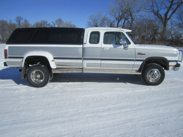 Dodge Ram Cummins Le X Ton Dually Automatic on White 1993 Dodge Dakota