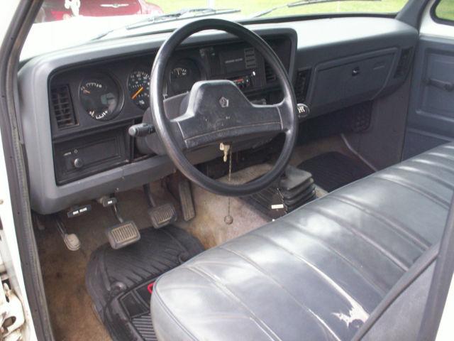 1993 Dodge Ram D150 318 Magnum 5