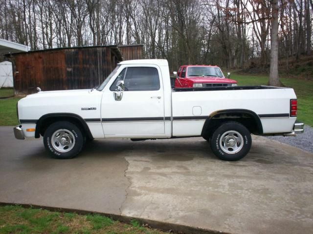 Dodge Ram D Magnum Speed Manual Shortbed Rust Free St Gen Truck on 1993 Dodge D150