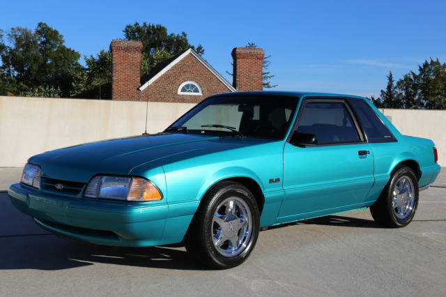 ford mustang notchback coupe   speed  actual