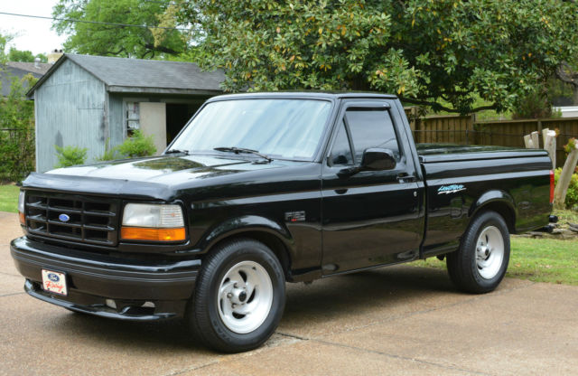 1993 ford xlt f 150 lightning collector truck low miles. Black Bedroom Furniture Sets. Home Design Ideas