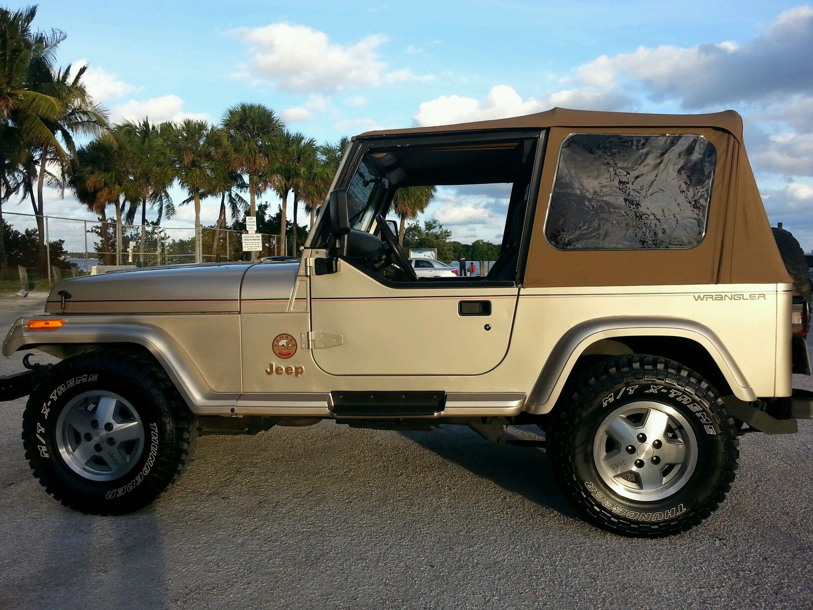 1993 jeep wrangler sahara sport utility 2 door 4 0l one owner florida jeep classic jeep. Black Bedroom Furniture Sets. Home Design Ideas