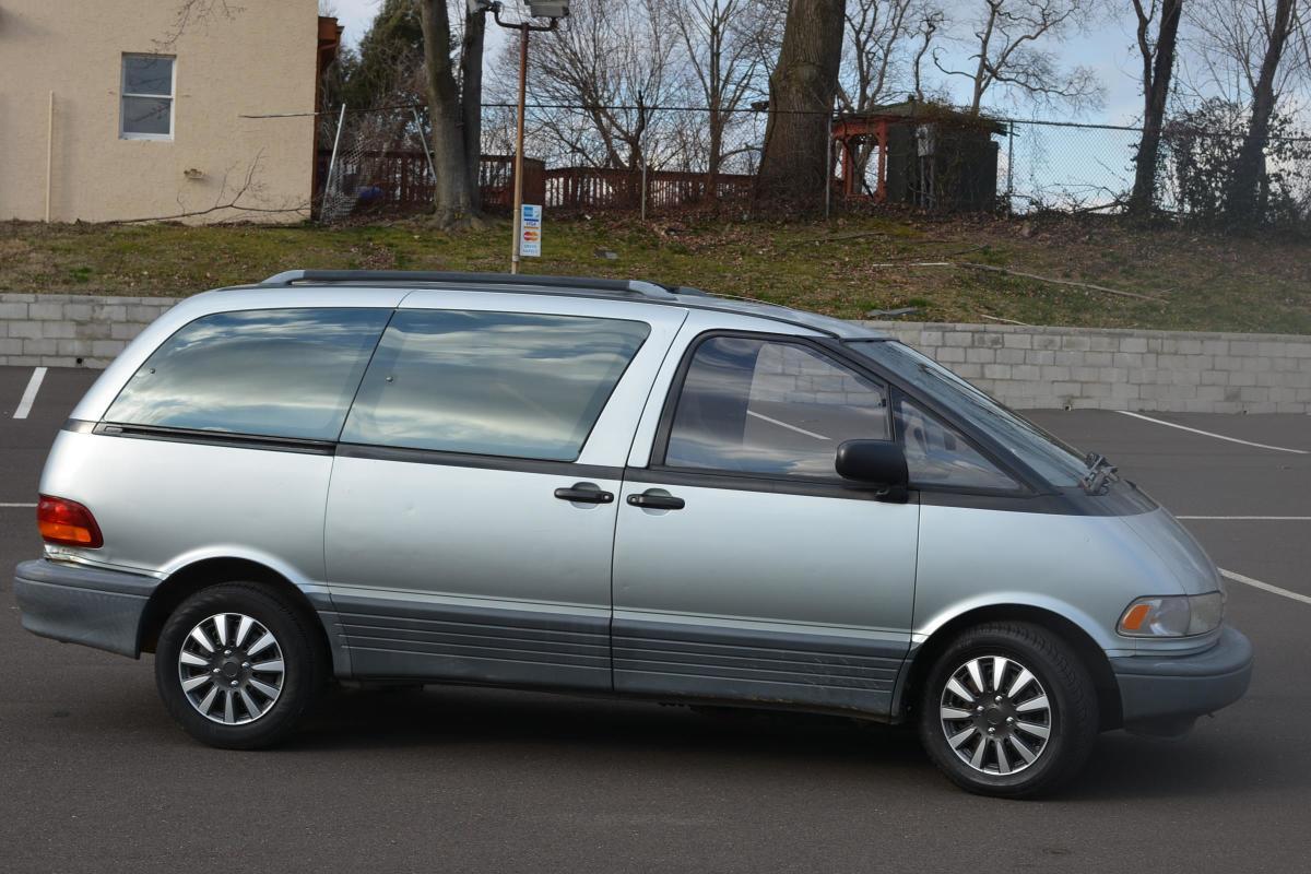 1993 Toyota Previa  Runs Good Le   No Reserve