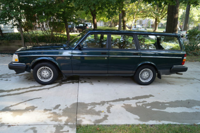 1993 volvo 240 classic rare limited edition station wagon classic volvo 240 1993 for sale. Black Bedroom Furniture Sets. Home Design Ideas