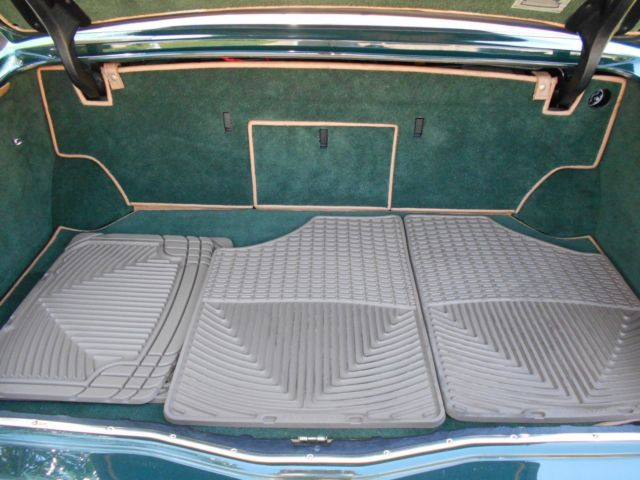 1994 bentley brooklands 6 8l british green with tan interior classic bentley brooklands 1994. Black Bedroom Furniture Sets. Home Design Ideas