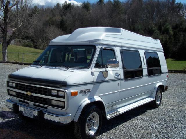 Chevrolet G Beauville Extended Passenger Van Door L