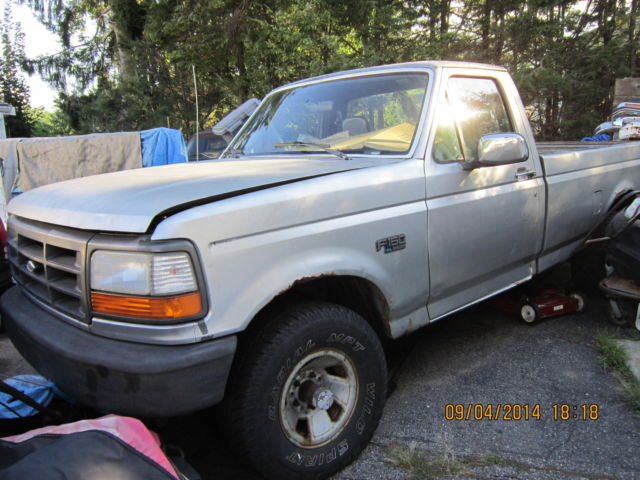 Ford F X Xlt Standard  Speed Transmission  Cylinder Classic Ford F   For Sale