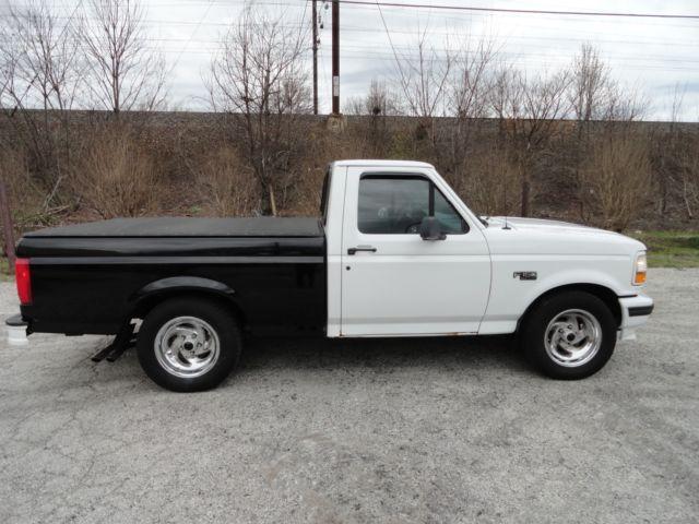 1994 ford svt f150 lightning xlt standard cab pick up truck used classic ford f 150 1994 for. Black Bedroom Furniture Sets. Home Design Ideas