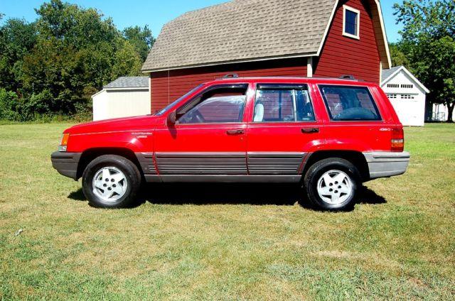 1994 jeep grand cherokee laredo 4 wheel drive all season tires 4 0 liter 6 c classic jeep. Black Bedroom Furniture Sets. Home Design Ideas