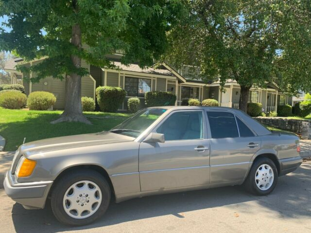 1994 mercedes benz e420 v8 w124 classic mercedes benz e class 1994 for sale. Black Bedroom Furniture Sets. Home Design Ideas