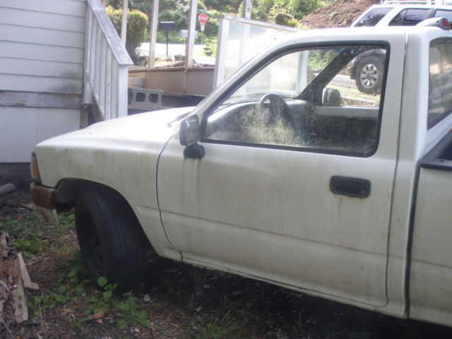 1994 toyota pickup truck white 4 speed manual transmission needs work classic toyota other. Black Bedroom Furniture Sets. Home Design Ideas
