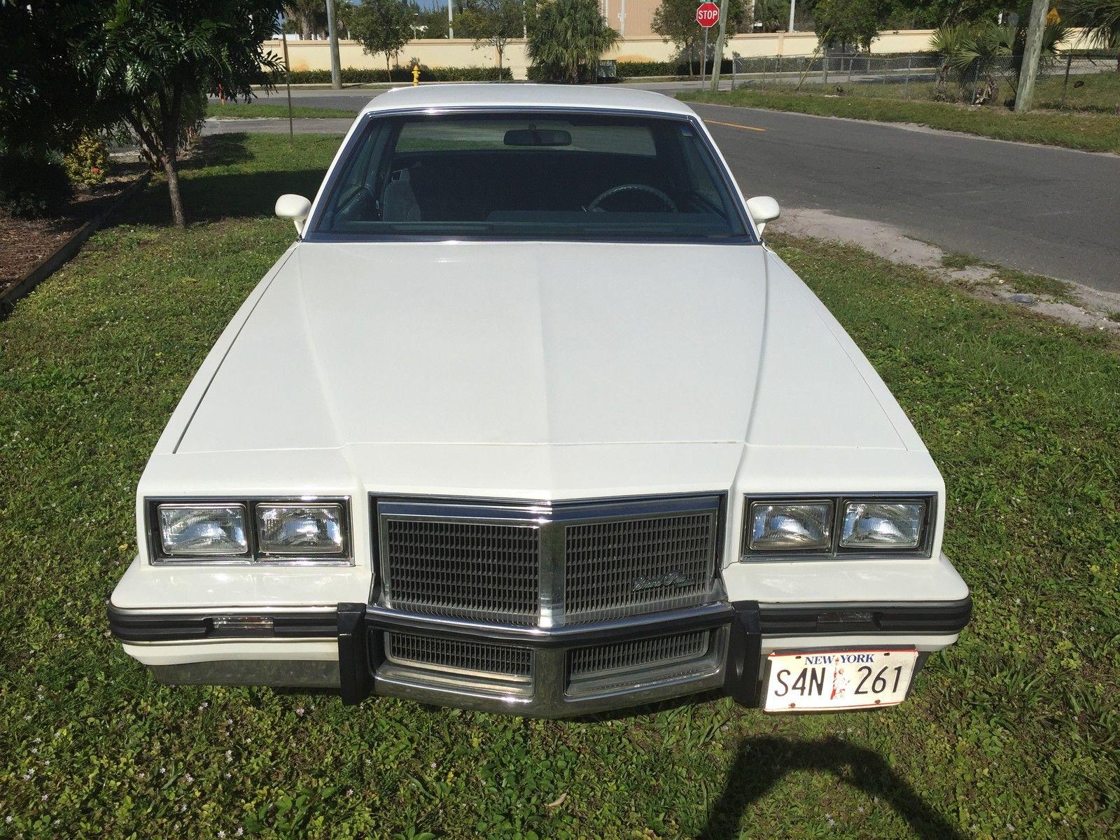 305 V8 1983 Pontiac GP LJ Classic Pontiac Grand Prix 1983 for sale #4F5A2E