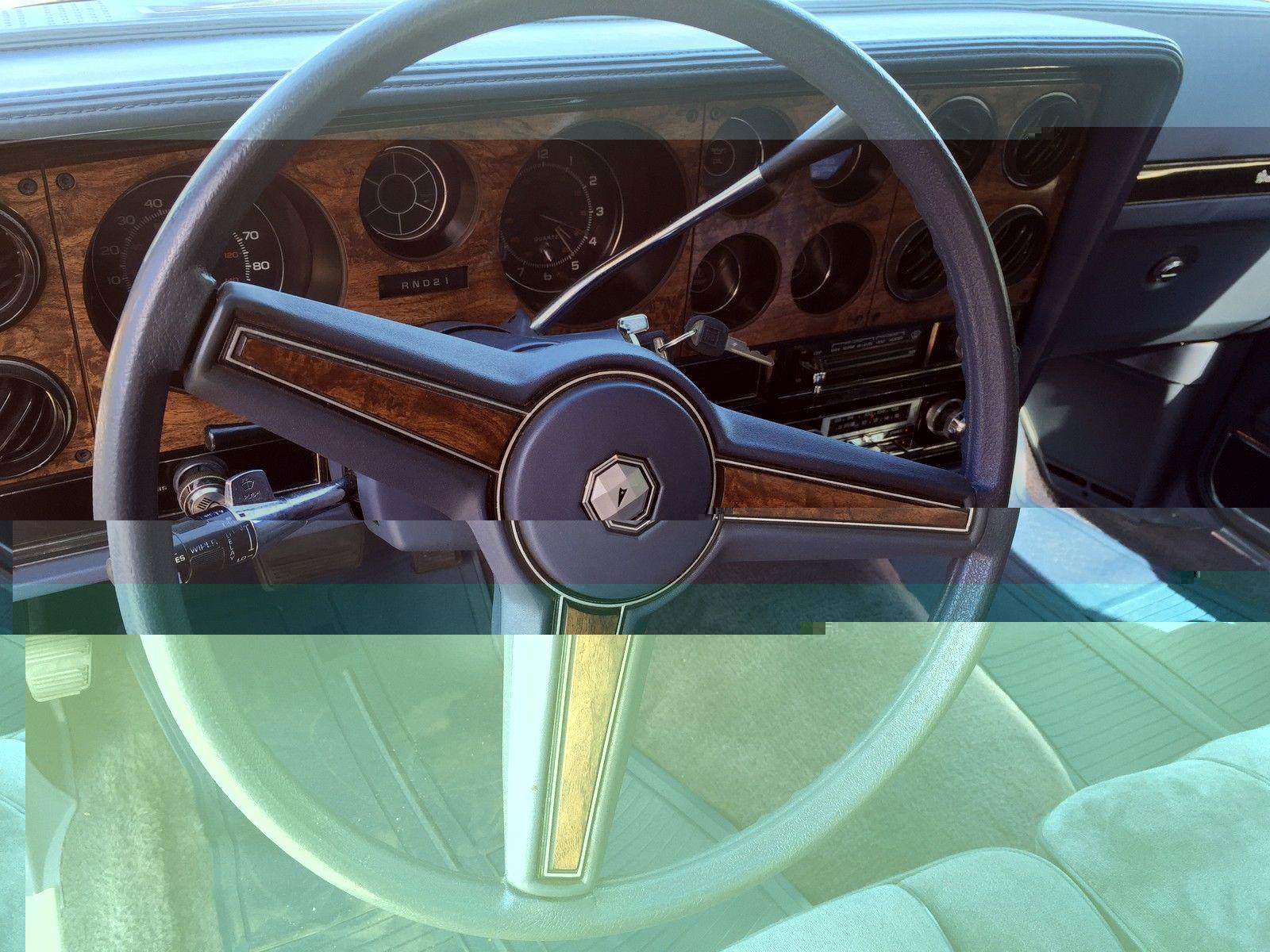 305 V8 1983 Pontiac GP LJ Classic Pontiac Grand Prix 1983 for sale #2BA08D