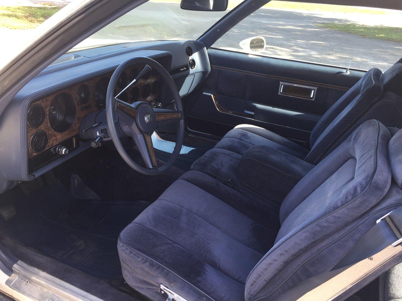 305 V8 1983 Pontiac GP LJ Classic Pontiac Grand Prix 1983 for sale #8B8140