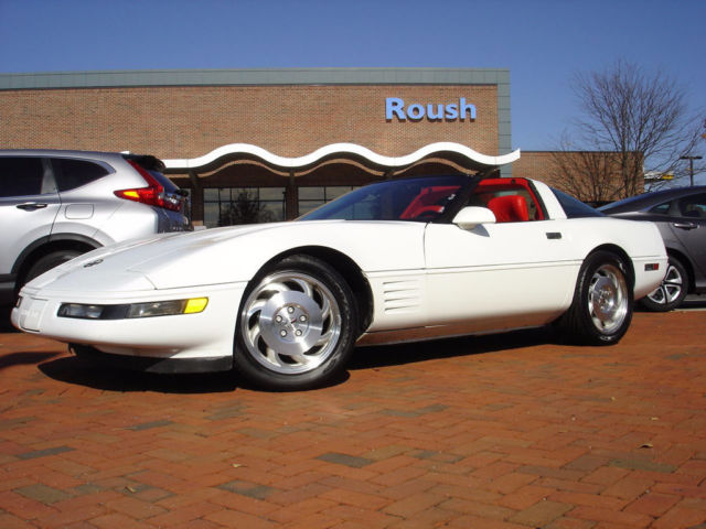 4 nearly brand new tires obviously well maintained classic chevrolet corvette 1993 for sale. Black Bedroom Furniture Sets. Home Design Ideas