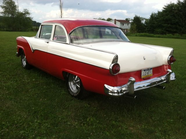 Ford Fairlane on 1957 Ford Fairlane 300