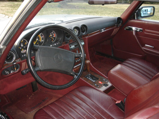 560sl silver with burgundy interior mint condition classic mercedes benz sl class 1989 for sale. Black Bedroom Furniture Sets. Home Design Ideas