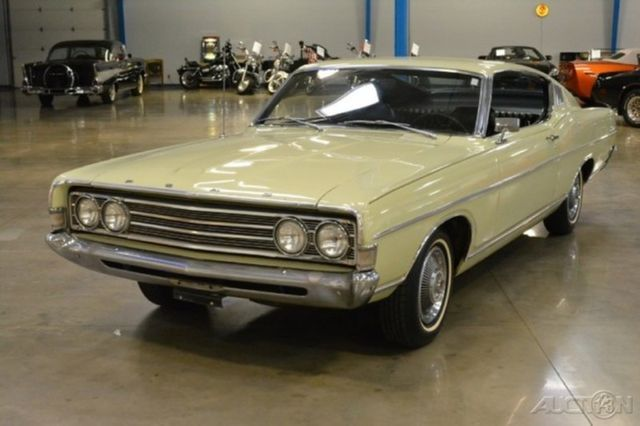 69 Ford Fairlane 500 Sportsroof Fastback 302 V8 Manual 3
