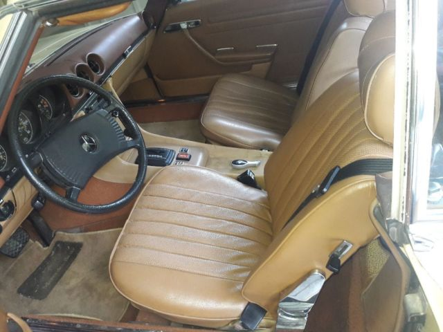 74 mercedes 450 excellent cond original paint and leather interior new michilen classic. Black Bedroom Furniture Sets. Home Design Ideas