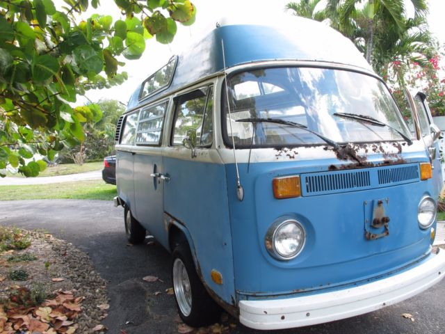 77 Volkswagon Bus Transporter With RARE Automatic