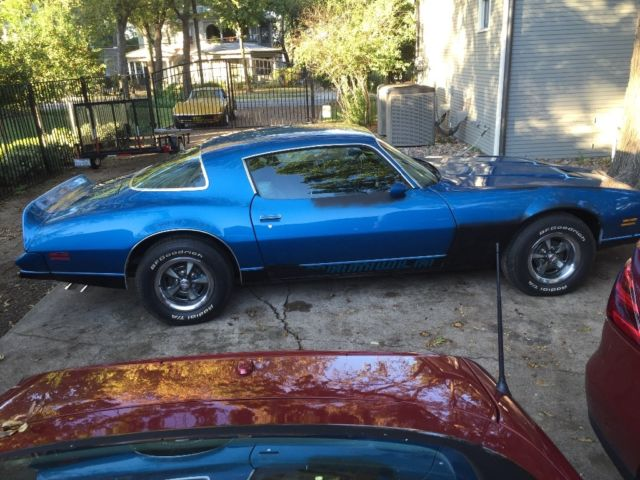 Low Res besides P likewise Pontiac Firebird Formula W Martinique Blue additionally Pontiac Deluxe Coupe Ci Trans Flat Black further Pontiac Firebird Formula W Martinique Blue. on 1978 pontiac 400 engine