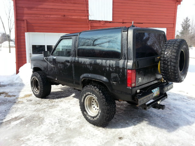 89 Bronco Ii Black 2 9l V6 5 Spd 4x4 3 Inch Body Lift