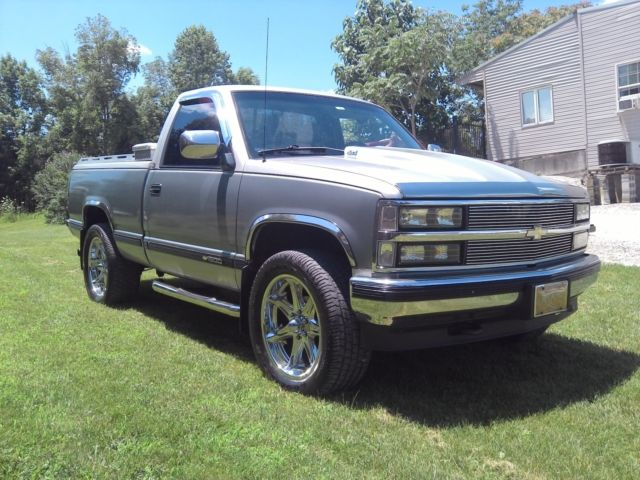 90 chevy silverado 4x4 custom style great cond classic chevrolet c k pickup 1500 1990 for sale. Black Bedroom Furniture Sets. Home Design Ideas
