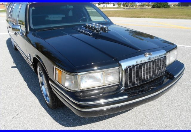 Beautiful Custom Lincoln Hearse Town Car Funeral Hot Rod