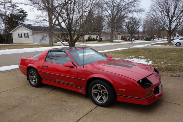 beautiful red 1986 iroc z28 t top camaro classic chevrolet camaro 1986 for sale. Black Bedroom Furniture Sets. Home Design Ideas
