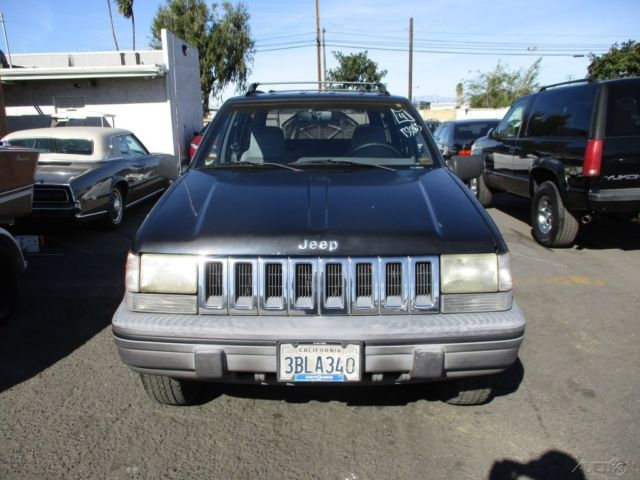 c 1993 jeep grand cherokee laredo used 4l i6 12v auotmatic suv no reserve classic jeep grand. Black Bedroom Furniture Sets. Home Design Ideas