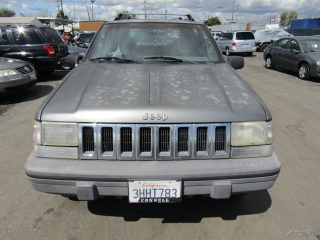 c 1994 jeep grand cherokee se used 4l i6 12v suv no reserve classic jeep grand cherokee 1994. Black Bedroom Furniture Sets. Home Design Ideas