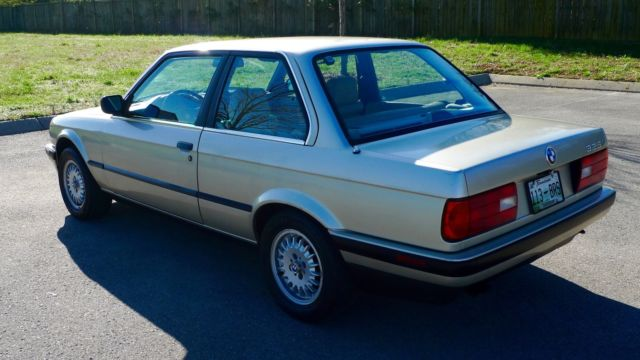 classic 1989 bmw 325i e30 two door sedan classic bmw 3 series 1989 for sale. Black Bedroom Furniture Sets. Home Design Ideas