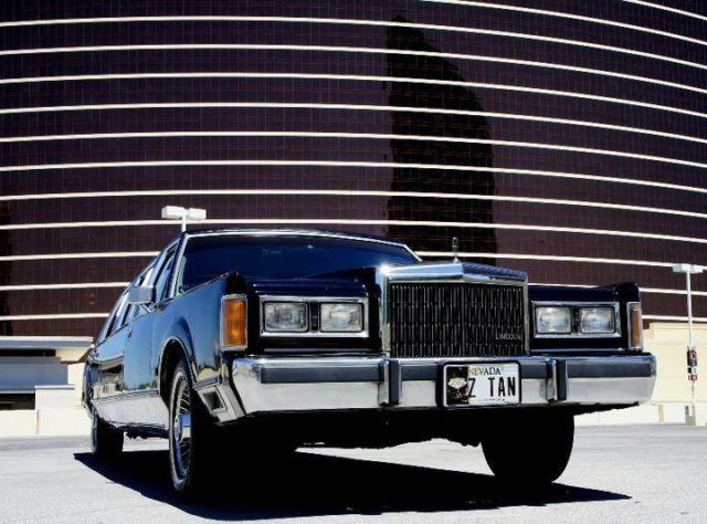 Classic 1989 Lincoln Town Car Limousine 6 Passanger Classic