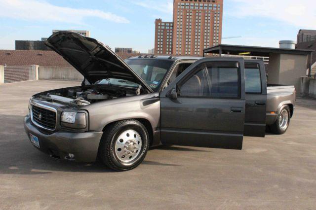 Classic Custom Chevy Chevrolet Silverado Dually Show Truck