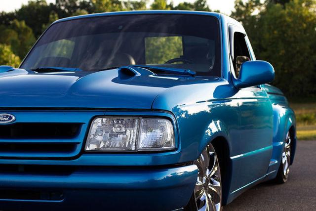 Clean Custom Show Bagged Ford Ranger Splash Minitruck