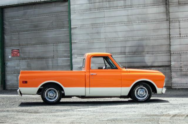 Custom 1967 GMC C-10 pickup  Beautiful truck, show condition