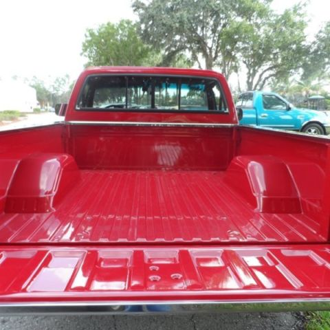 Custom Deluxe 86 Chevy C10 350 V8 Shortbed Pickup Muscle Pick Up Truck Air Classic Chevrolet C