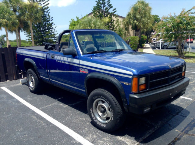 dodge dakota sport 4x4 factory convertible rare factory daytona blue color classic dodge. Black Bedroom Furniture Sets. Home Design Ideas